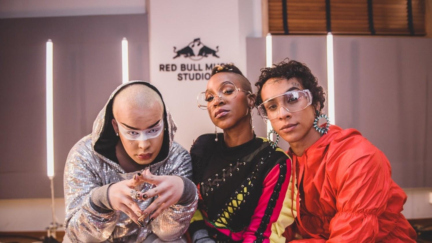 """Trio acaba de gravar a música """"Alavancô"""", criada especialmente para uma performance no Rock In Rio"""