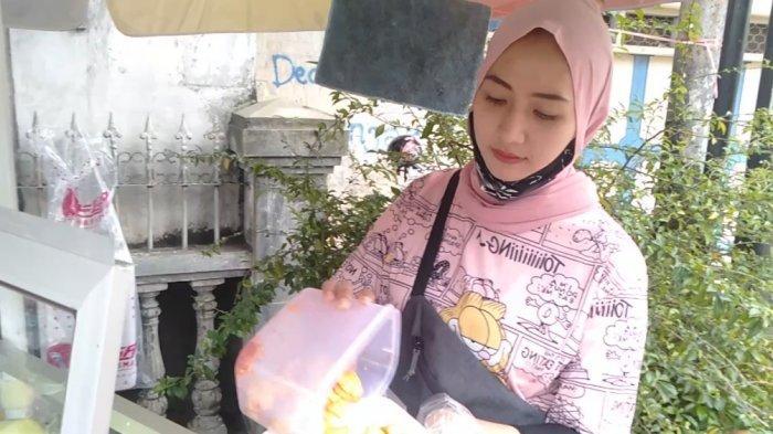 Viral Tari Putri Tukang Rujak Jambu Kristal Cantik
