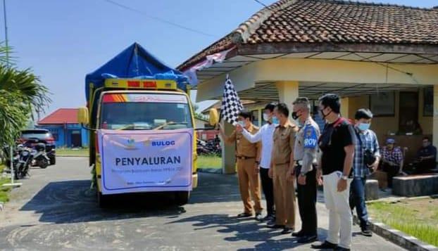 OKU Selatan Launching Bantuan Beras  PPKM di Kecamatan Simpang  Sebanyak 23.377 KPM