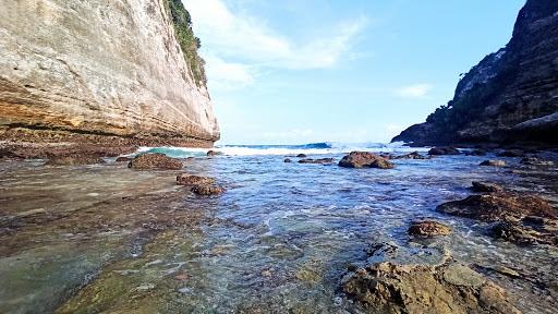 16 Pantai terbaik di Nusa Penida yang wajib Untuk Dikunjungi, pantai nyanyad