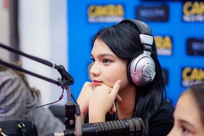 Davina Karamoy di Radio