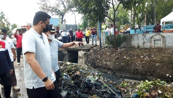 Bobby Beraksi Lagi, Kali Ini Pimpin Normalisasi Parit Cegah Banjir di Medan