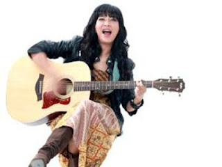 Lirik lagu I am single, I am very happy