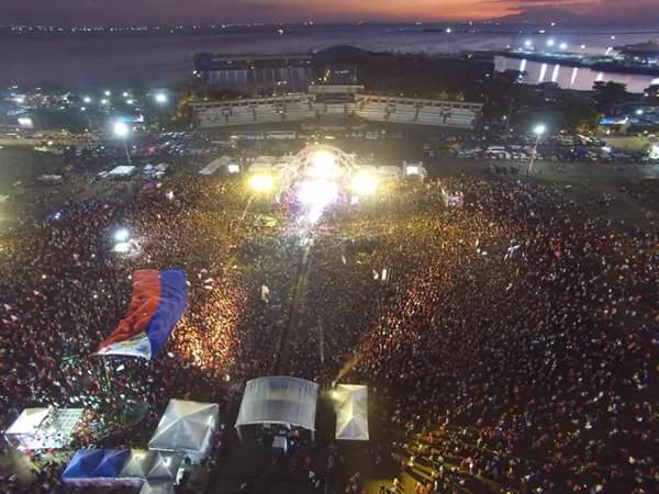 Mammoth crowd at Luneta Park for Duterte's grand rally