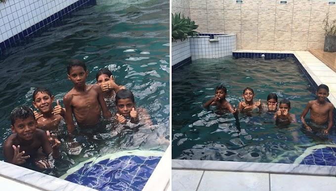 AMOR: Advogada é 'salva' por crianças que pediram para tomar banho na sua piscina.
