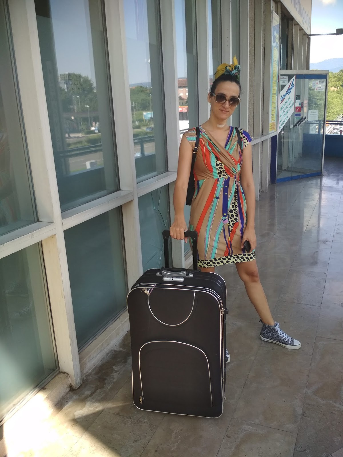 #WhatToWear When #Travelling? A Printed #Dress Worn With #Sneakers (Travel Outfit Proposal)