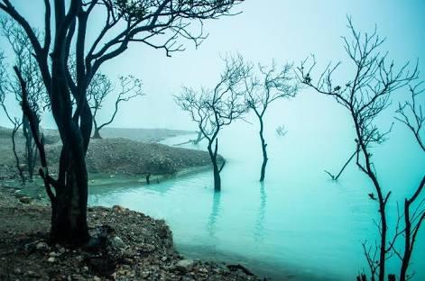 Keindahan kawah putih Ciwidey Bandung Jawa Barat