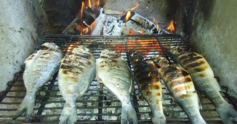 Cucinare con passione spigola branzino alla griglia for Cucinare branzino