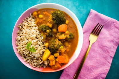 Slow Cooker Vegetable & Chickpea Curry