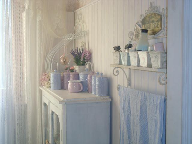 Il sogno shabby di marina the my shabby house il mio bagno romantico - Bagno shabby chic ikea ...