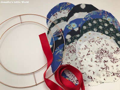 How to make a large fabric strip wreath for Christmas
