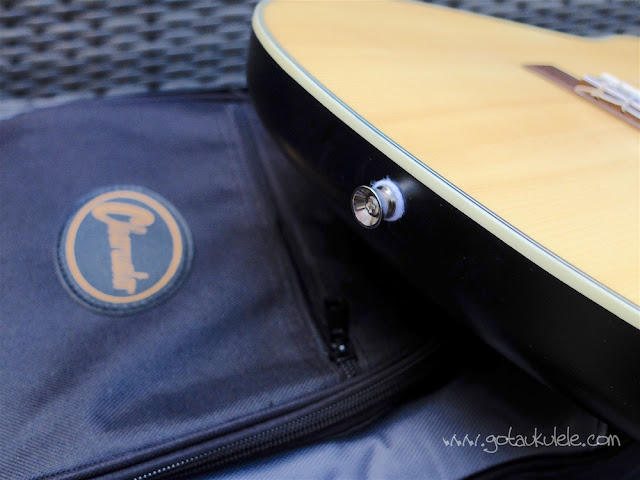 clearwater roundback baritone ukulele strap button