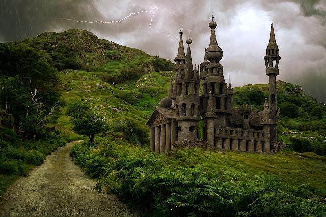صور قلعة قديمة وسط الطبيعة