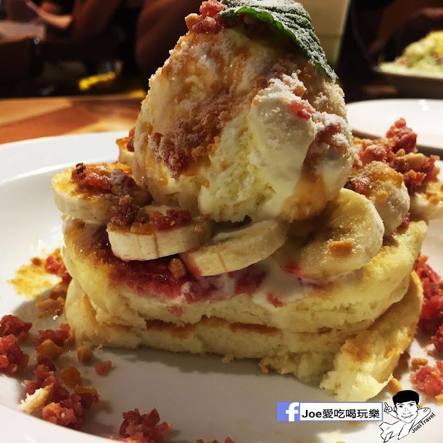 IMG 0334 - 【台中甜點】jamling Cafe 台中 - 來自東京鬆鬆軟軟入口即化的鬆餅 貓王鬆餅 吃起來有花生的甜 培根的鹹 ~一整個超級特別!!