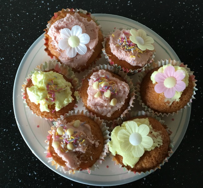 cup-cakes-on-a-plate