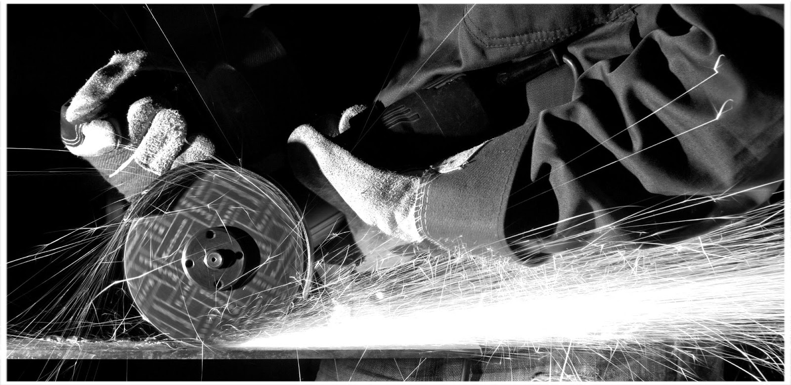 Concrete saw cutting tool