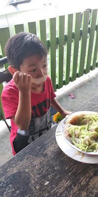 Sedapnya Pulut Durian Pak Yeop Corner, Pak Yeop Corner, Pulut Durian Pak Yeop Corner, pulut durian sedap, sedapnya pulut durian, pulut durian changkat jering, pulut durian sedap di Taiping, lokasi pulut durian sedap di Taiping, lokasi pulut durian sedap di changkat jering, lokasi pulut durian sedap di Perak, JJCM Perak, jalan-jalan cari makan perak, Tempat makan sedap di Trong, JJCM Trong,