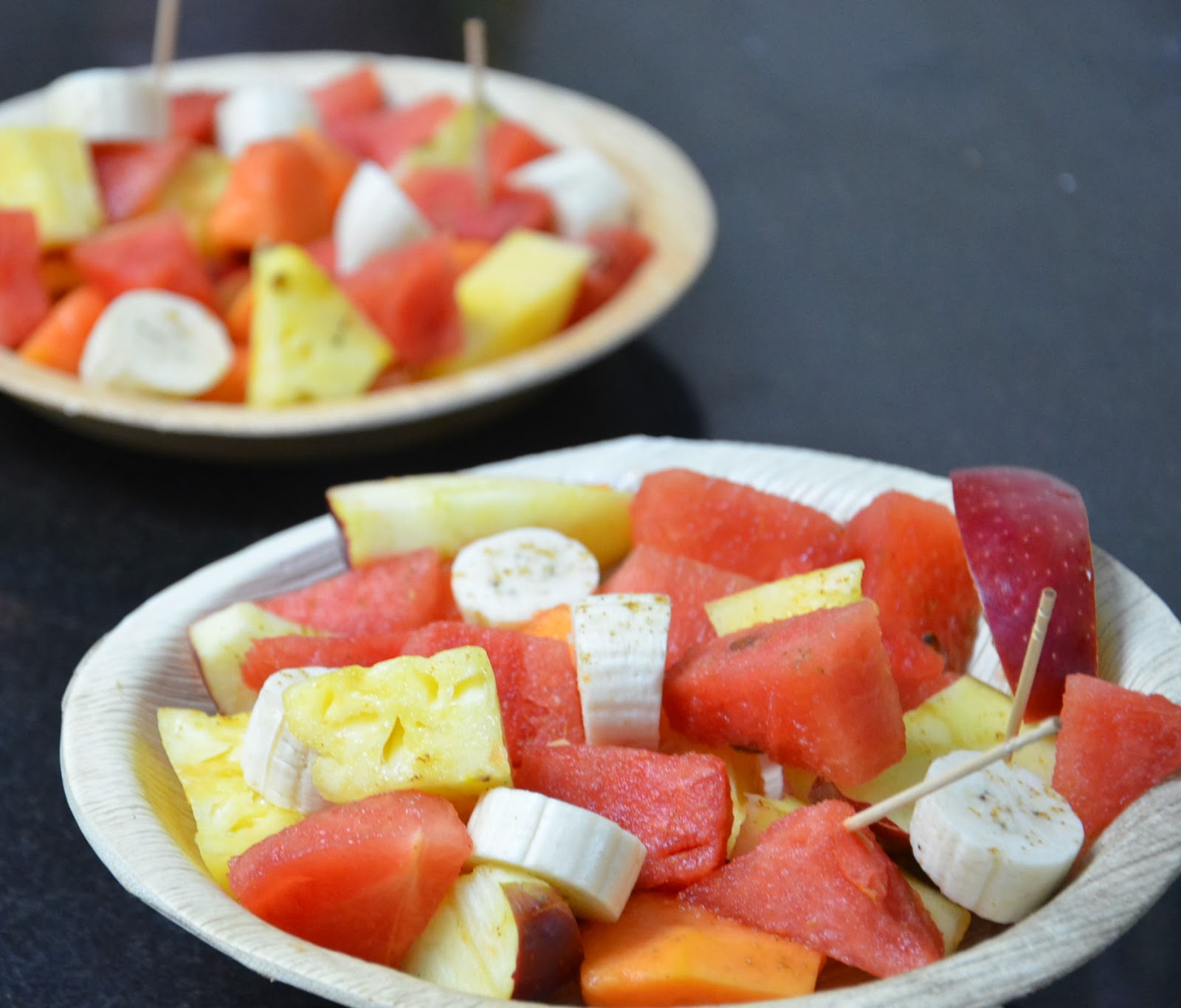 http://susrecipes.blogspot.in/2014/02/fruit-chaat-chandini-chowk-wala.html