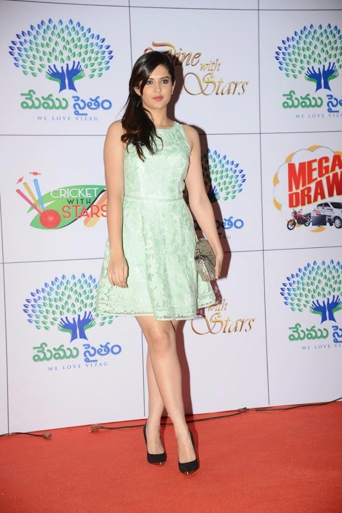 South Hot and Chubby Deeksha Seth Latest Sizzling Beauty Leg Show photos