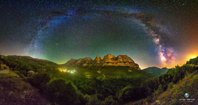 """Γαλαξιακή πύλη στους """"Πύργους της Αστράκας"""""""