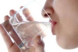 Manfaat Penting Air Putih Bagi Tubuh