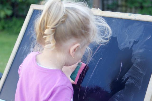 dziecko weryfikuje znajomych, macierzyństwo sprawdza przyjaźń