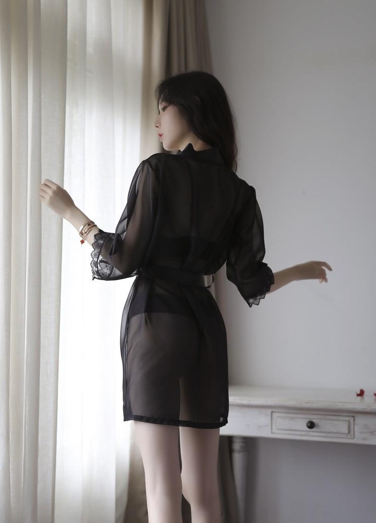 Áo choàng kèm bộ đồ lót hở ngực hở đáy sexy 3