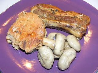 fripturi, friptura de porc, friptura la cuptor, carne de porc cu ciuperci, retete de mancare, mancaruri cu carne, retete, retete cu porc, cotlet de porc si coaste la cuptor,