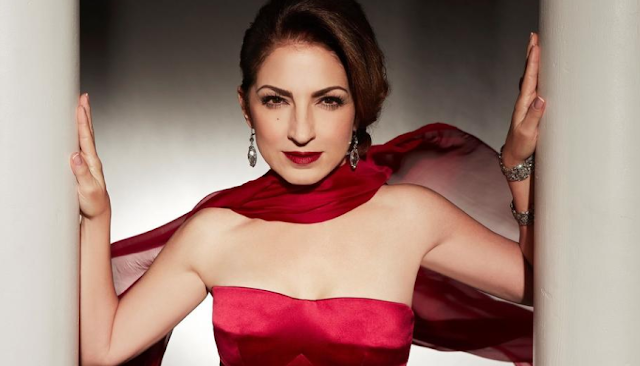 Gloria Estefan to Host CBS 'Kennedy Center Honors'