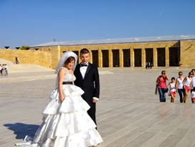 Pre-wedding photoshoot at Anitkabir Turkey