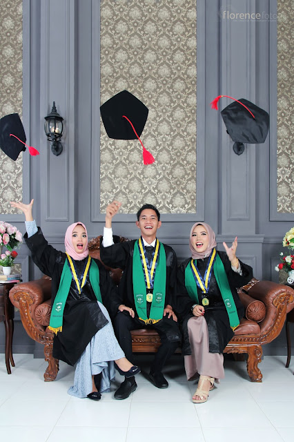 Photo group calon wisuda UIR pada 05 Mei 2018