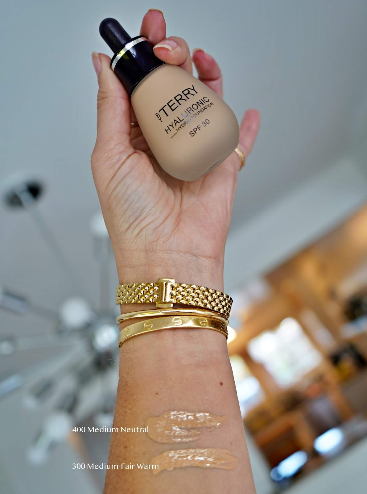 BY TERRY Hyaluronic Hydra-Foundation swatches
