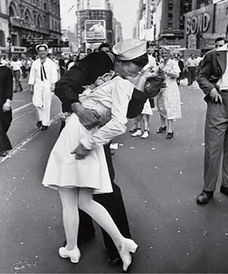 O Beijo em Time Square, 14 de Agosto de 1945, Alfred Eisenstaedt