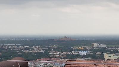 Umaid Bhawan Palace da lontano