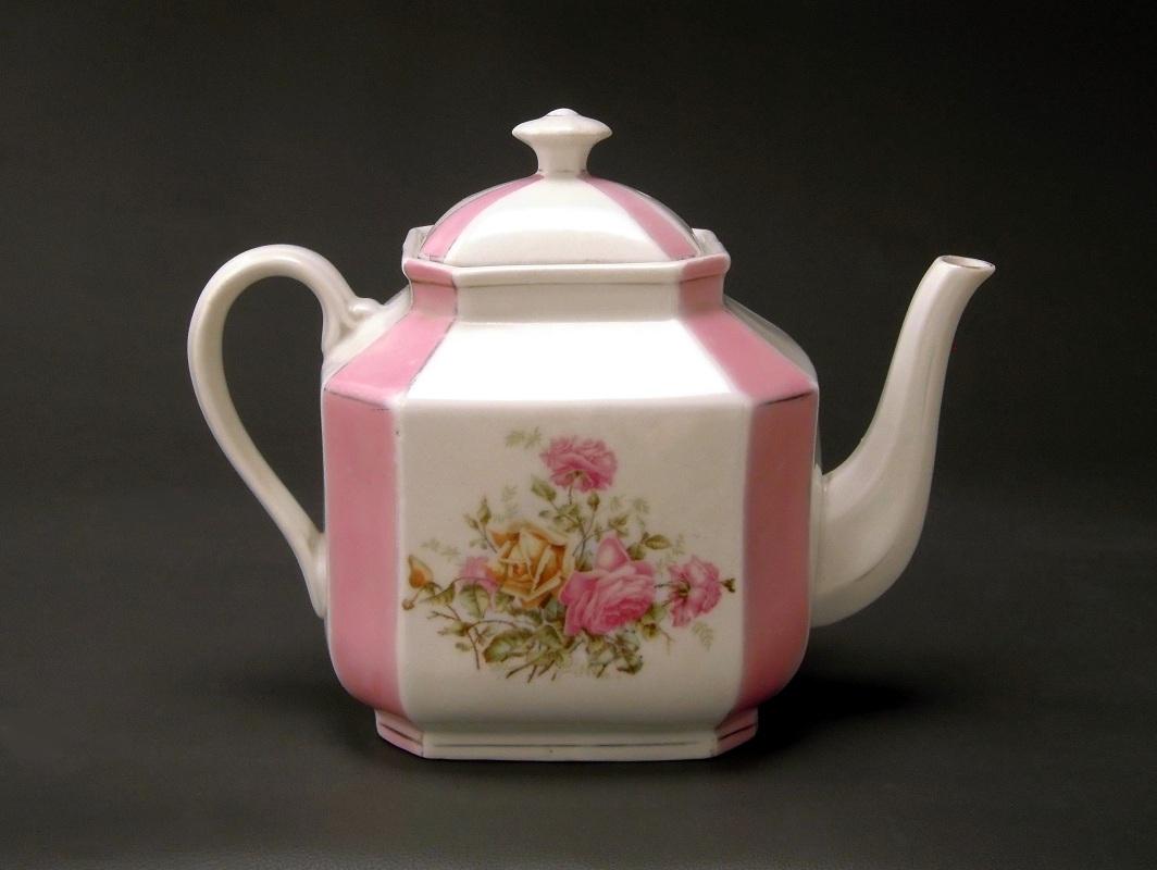 patina antik krister porzellan manufaktur kpm large teapot. Black Bedroom Furniture Sets. Home Design Ideas