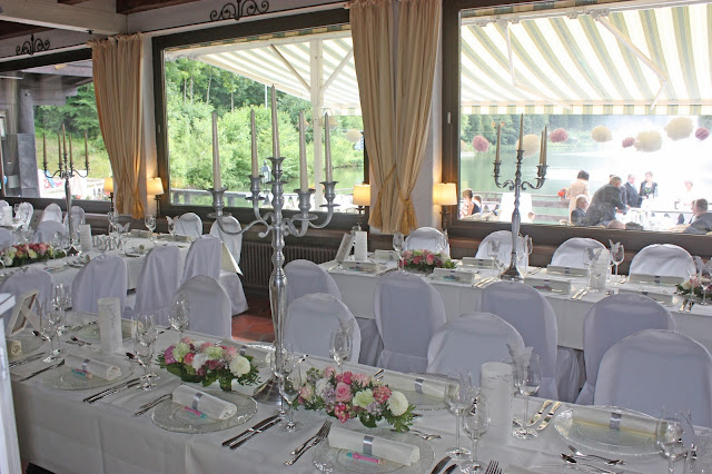 Hochzeitsdinner im Seehaus - Internationale Hochzeit mit Gleitschirmflug des Bräutigams, Riessersee Hotel Garmisch-Partenkirchen, besondere Trauungen, Hochzeit in Bayern, #Riessersee #Garmisch #Gleitschirm #Hochzeit #Tandemflug #heirateninbayern