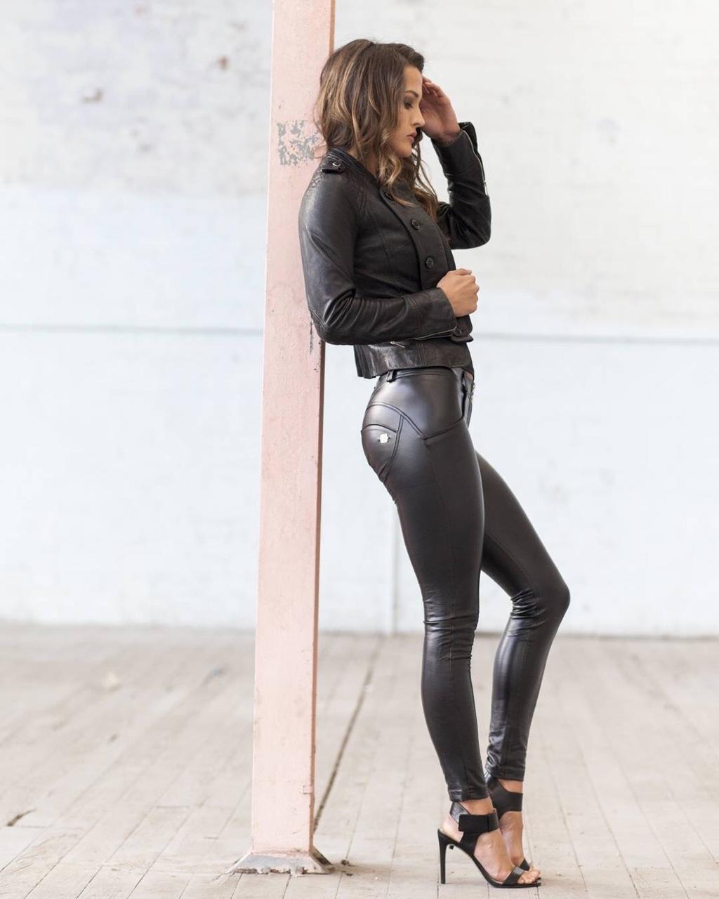 Women open butt leather jumpsuit romper crotchless zipper bodysuit club costume