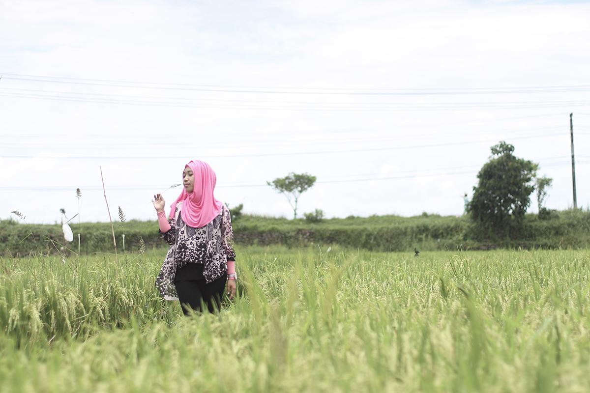 Khadijah Febriana cewek hijaber manis makassar