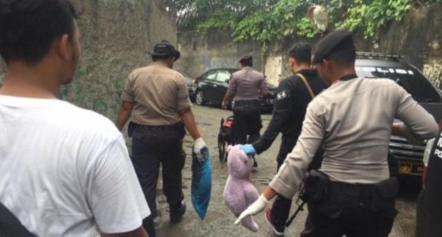 Inafis dan Labfor Diterjunkan Usut Pembunuhan Sekeluarga di Bekasi
