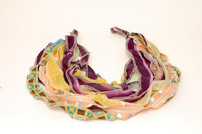 Creative and Cool Ways to Reuse Old Scarves (20) 12