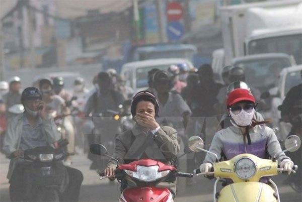 Người dân thành thị mỗi ngày phải hít hàng nghìn lít khí ô nhiễm