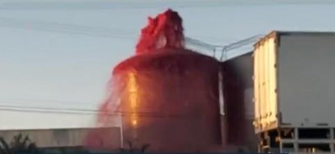 VÍDEO: Quase 1 mil litros de suco de uva vazam de tanque de empresa de bebidas, em Campo Largo