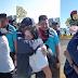 """Entregan """"flores y abrazos"""" al comisionado Juan Valle Valle sancionado por EEUU."""
