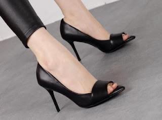 Sepatu Perempuan Model Terbaru Merk Yongki Komaladi