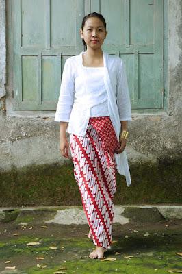 Kebaya Merah Putih Klasik Batik 17 Agustus HUT Kemerdekaan RI