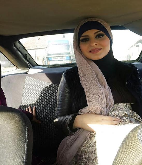 كويتية مقيمة في السعودية اقبل التعدد و التواصل عبر الواتساب