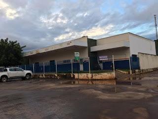 Frente da UPA de Caxias virou criadouro propício a proliferação do ...