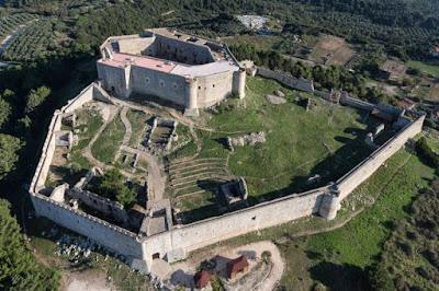 Θερινό κουδούνι στο κάστρο Χλεμούτσι