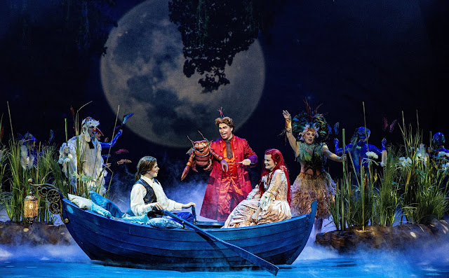 Erik menee naimisiin pienen merenneidon Arielin kanssa
