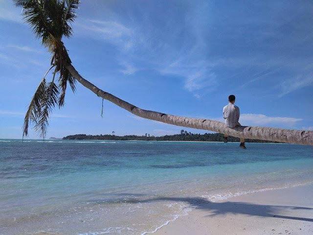 Pantai Mapadegat, Sipora, Tuapeijat. (Dok. Yurnaldi)